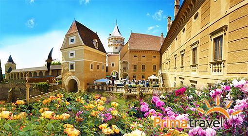 Zámok ruží Rosenburg a Kitt...